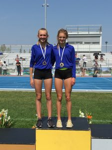 Ella (GOLD) and Jaya (BRONZE) 800m